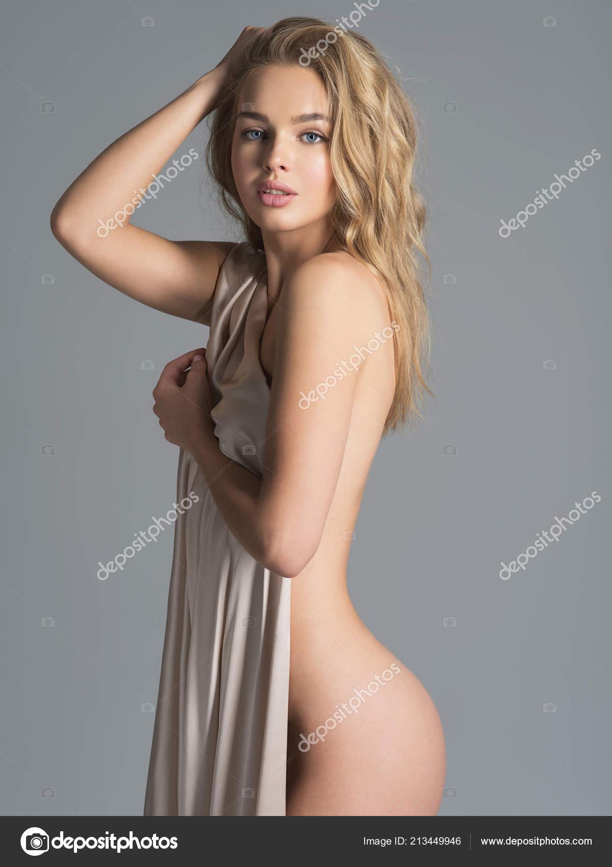 γυμνές φωτογραφίες των όμορφα κορίτσια