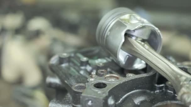 Písty motoru s ojnice. Náhradní díly pro dieselový motor