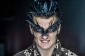Photo Professional make-up fantastic personag like a raven