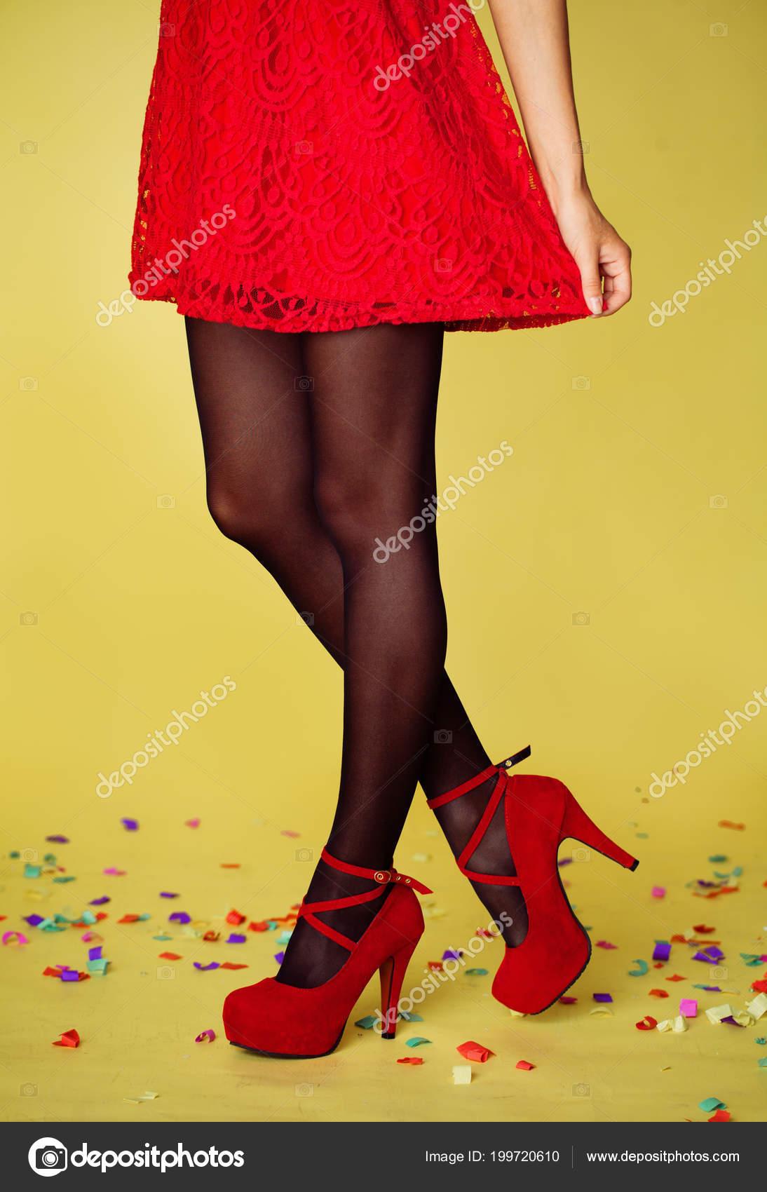 Negras Hermosas Piernas Rojos Mujeres Sobre Fondo Zapatos Medias Tacones 1xaHw