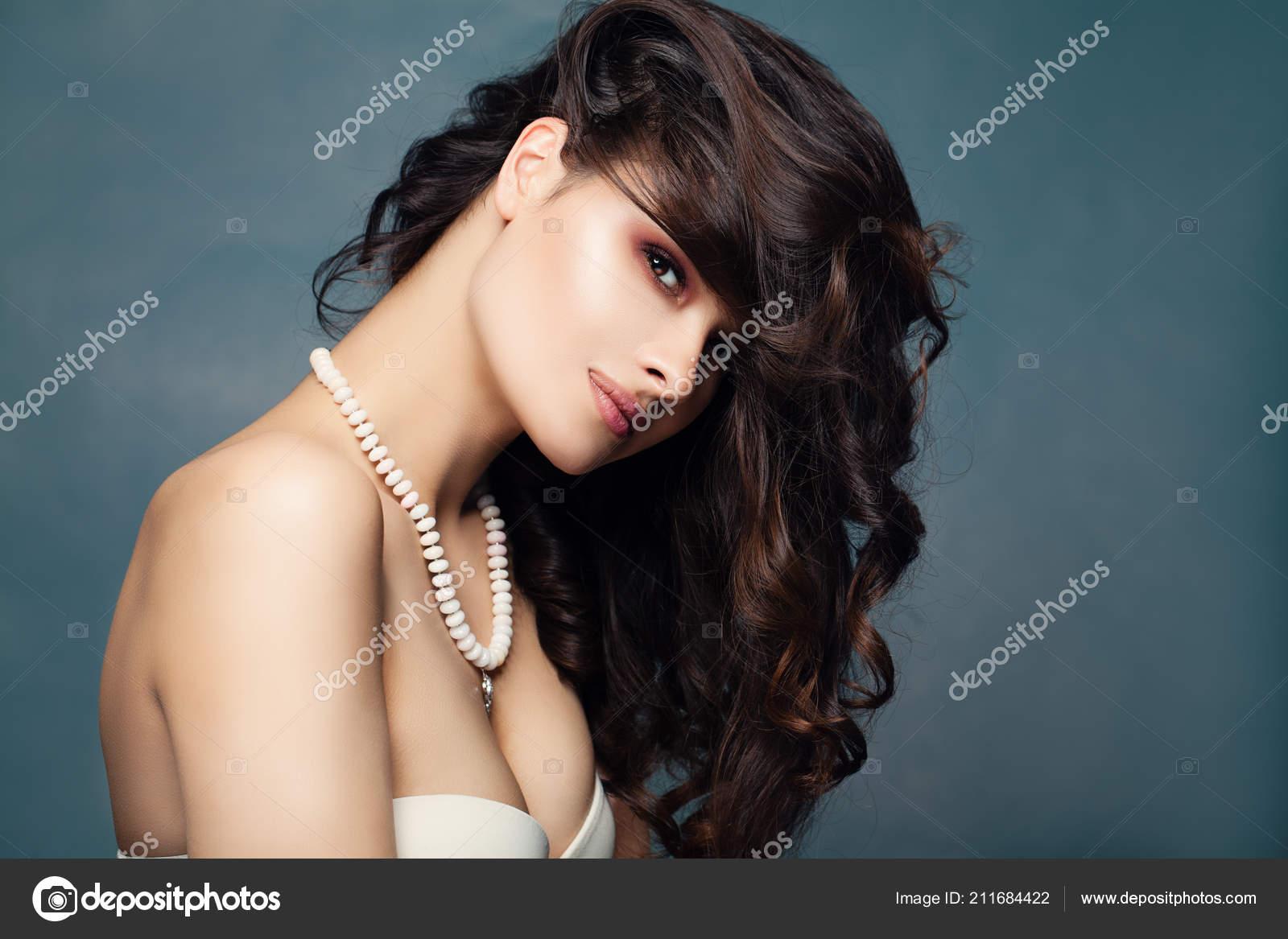 6e34d8a1f95a Retrato Moda Mujer Morena Linda Modelo Mujer Sexy Con Pelo — Foto de ...
