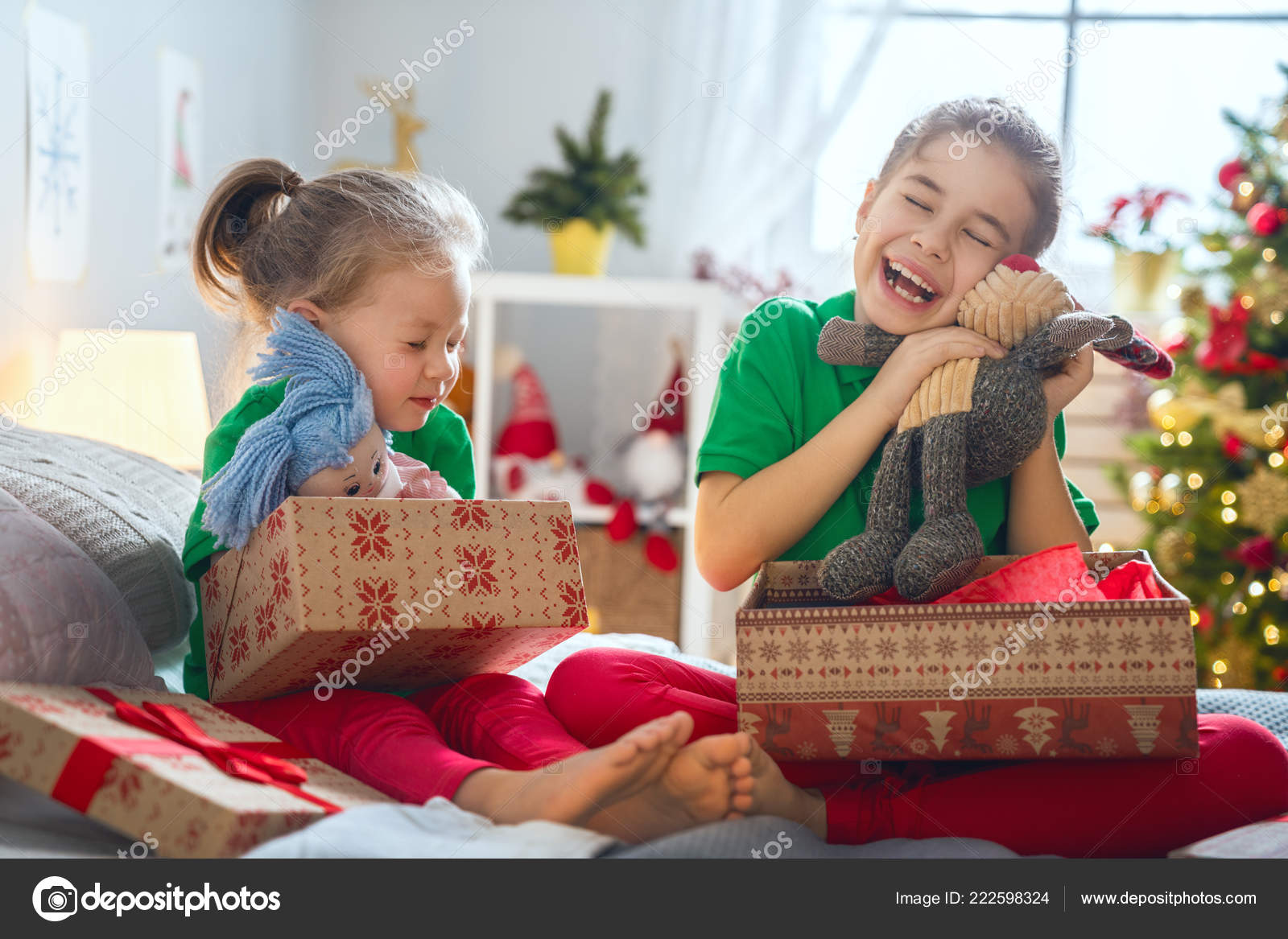 Merry Christmas Happy Holidays Cheerful Cute Childrens Girls Opening ...