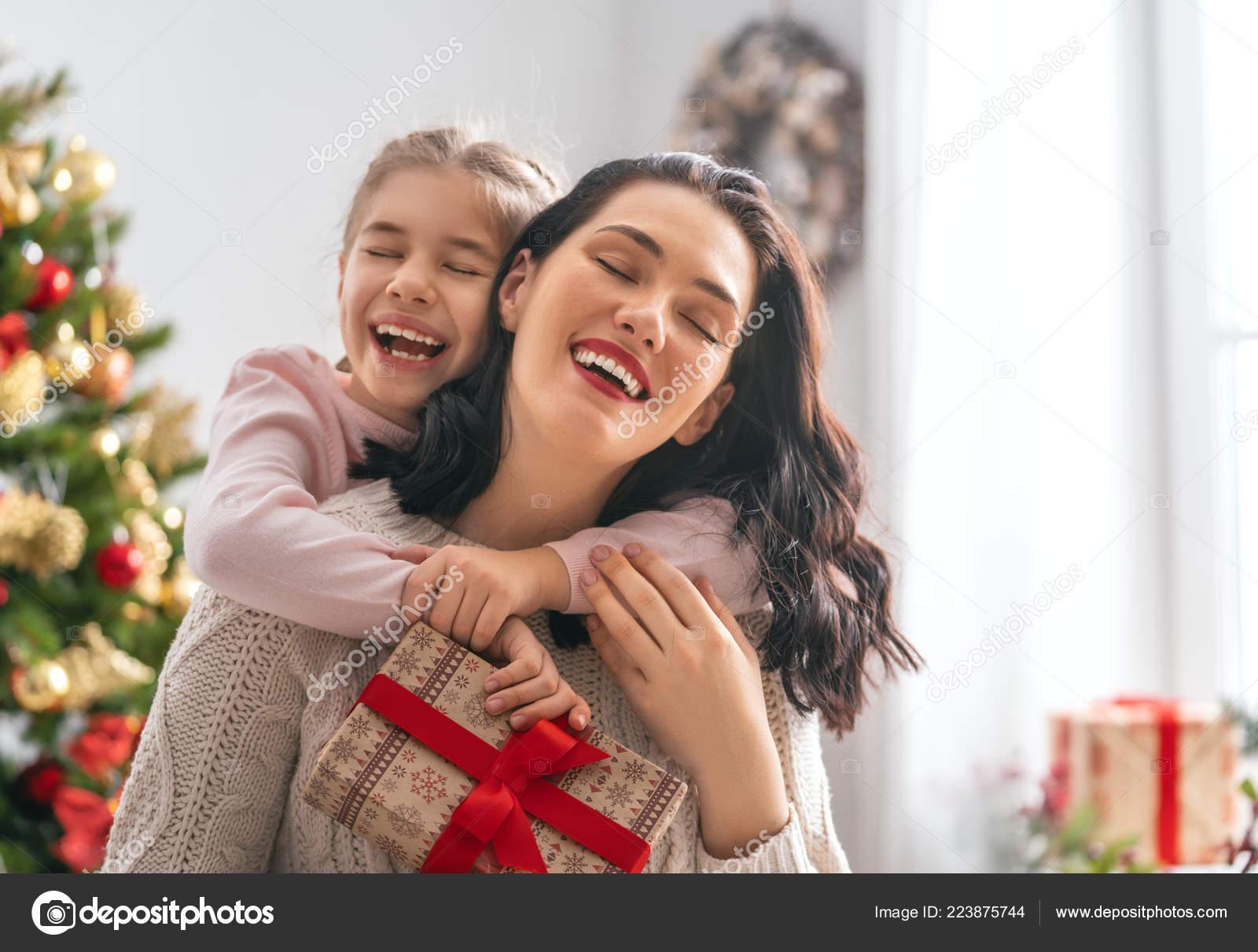 Frohe Weihnachten Und Schöne Feiertage Fröhlich Mama Und Ihre Süße ...