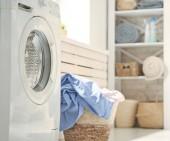 mosókonyha és egy mosógép