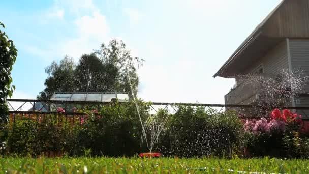 zahradní sekačky vodu sprinkler