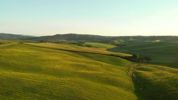 Toszkána vidéken Euganei, lenyűgöző légi felvétel a tavaszi.