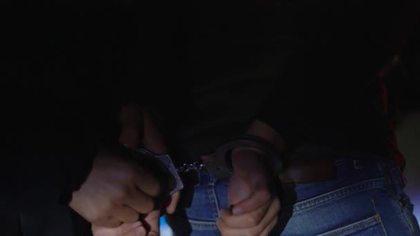 policejní zatčení videa černé dívky, které milují anální sex