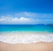 Fotografie pláž a krásné tropické moře