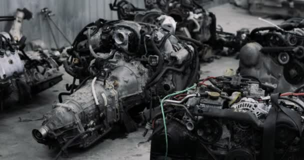 Detailní záběr z automobilových dílů