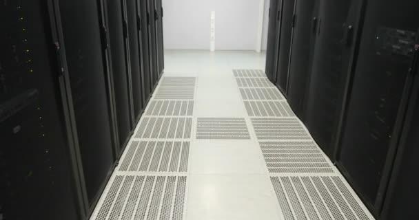 Server-Racks. echte moderne Rechenzentrum. Cloud-computing. Server im Rechenzentrum. Cloud-computing Datenspeicher