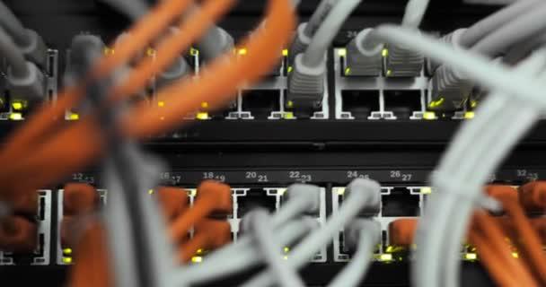 Voll beladen, Netzwerk-Media-Konverter und Ethernet-switches.