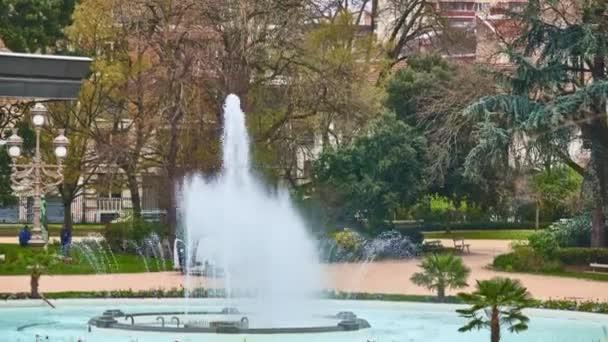 Grand Rond ou Boulingrin (Bowling Green) est le jardin public situé à  Toulouse, France. Il en diamètre de dont quatre grandes allées,  Jules-Guesde, Francois-Verdier, Paul-Sabatier et Frederic-Mistral.