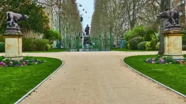 Grand Rond nebo Boulingrin (Bowling Green) je veřejná zahrada se nachází v Toulouse, Francie. Má průměr čtyři velké uličky, Jules-Guesde, Francois-Verdier, Paul-Sabatier a Frederic-Mistral.