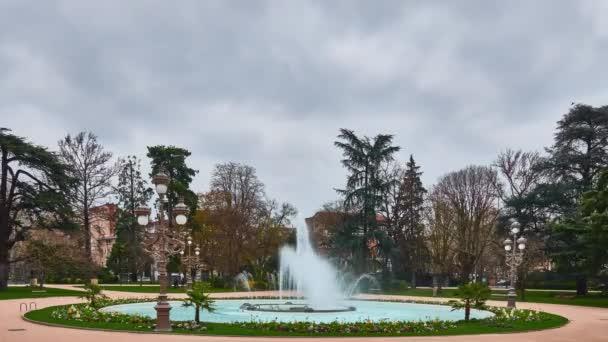 Grand Rond ou Boulingrin (Bowling Green) est le jardin public situé ...