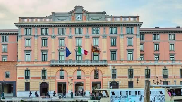 Venezia, Italia - 23 aprile 2018: Palazzo del Veneto su Fondamenta Santa Lucia a Venezia, Italia