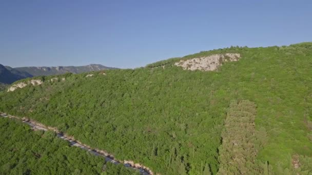 Wald in Griechenland von Drohnen beschossen