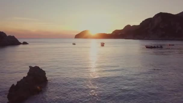 Východ slunce v Řecku od moře