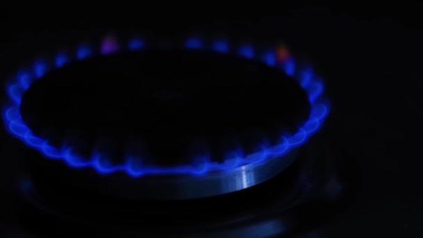Plamen plynu na sporák