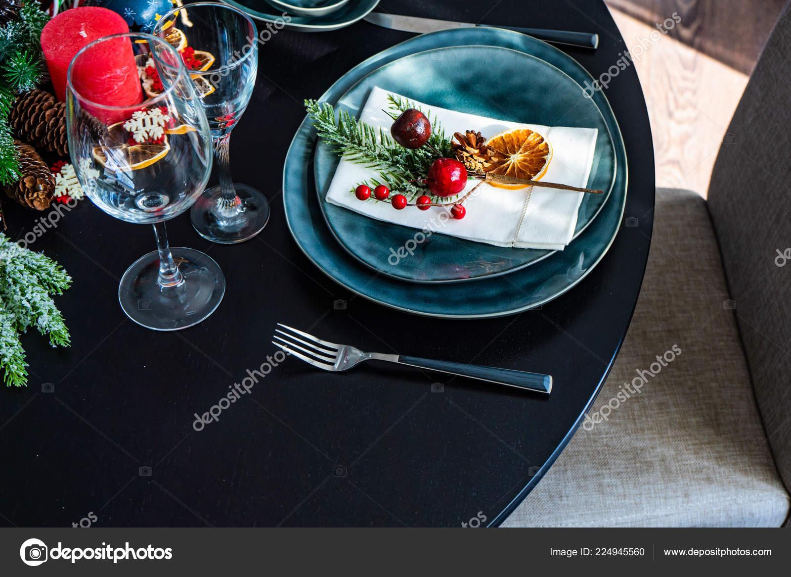 Rustikale Tischdekoration Fur Urlaub Weihnachten Abendessen Dunklen