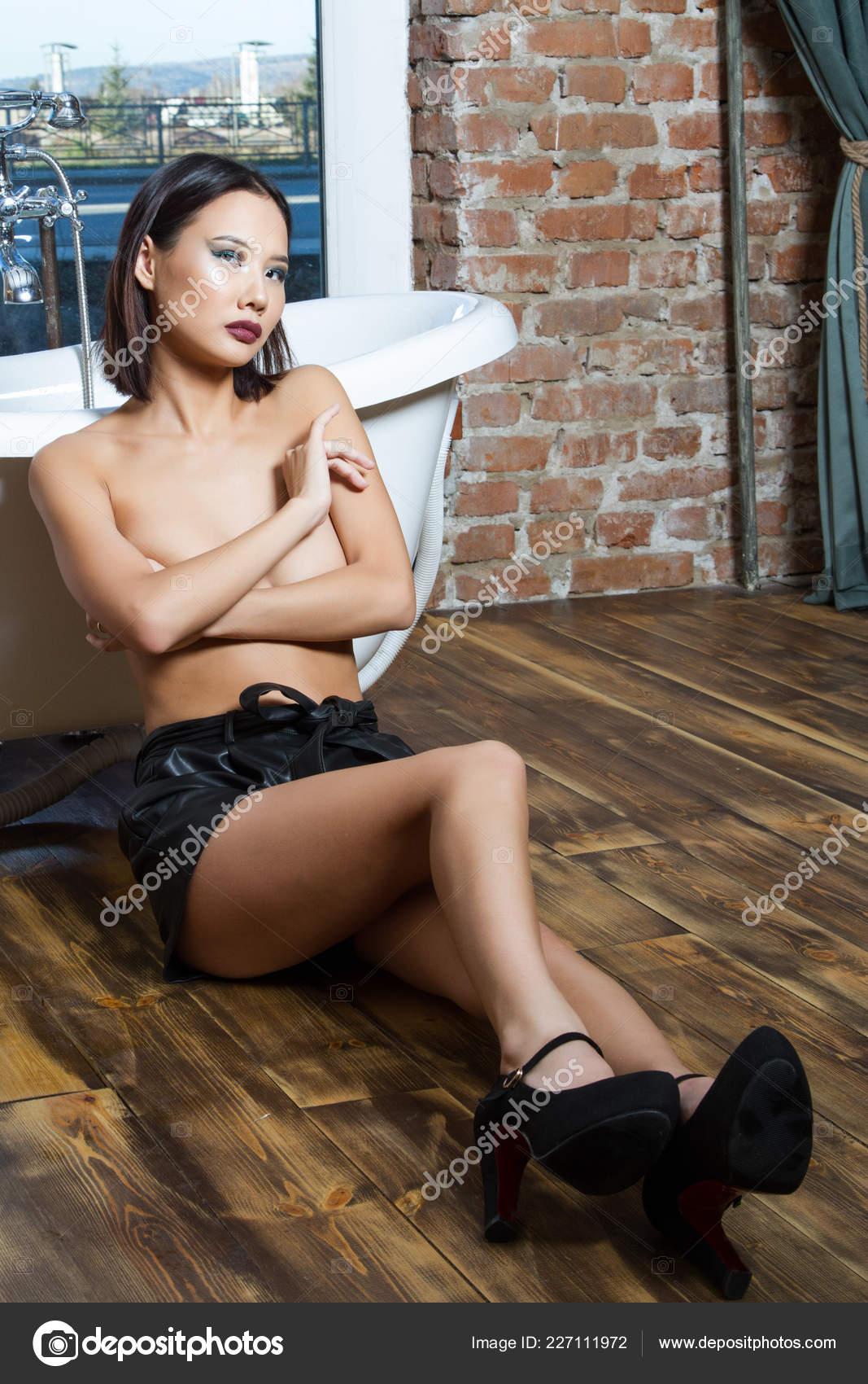 Ασιατικό πορνό ύπνωση