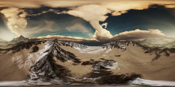VR-360 sugarai naplementét a hegyek csúcsai