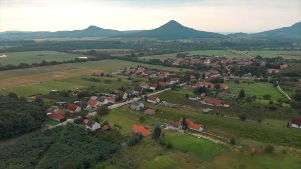 Drone légi felvételeket a magyar táj a vulkánok, a Balaton közelében
