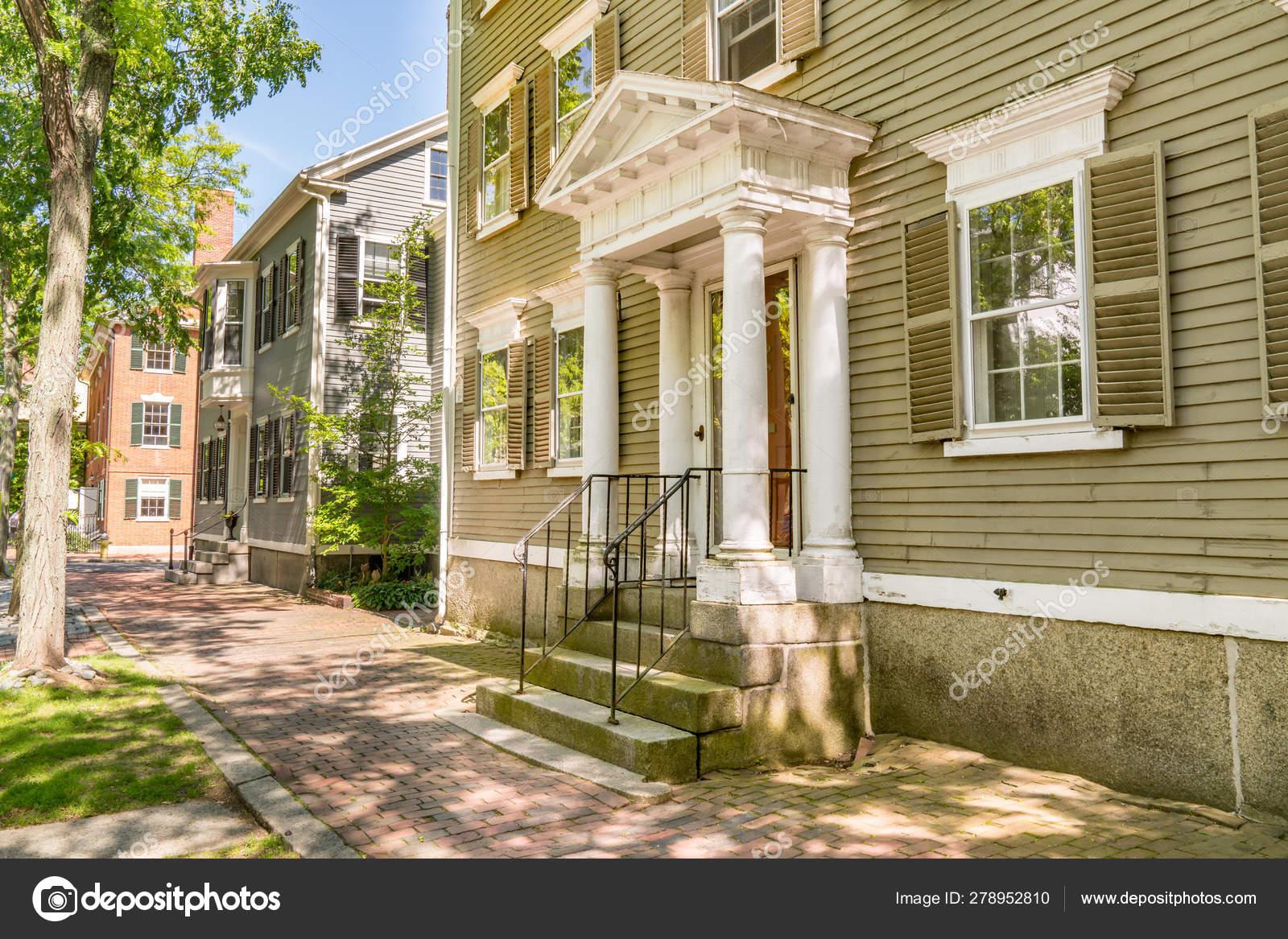 Awe Inspiring Historic Homes In Salem Massachusetts Stock Photo Download Free Architecture Designs Griteanizatbritishbridgeorg