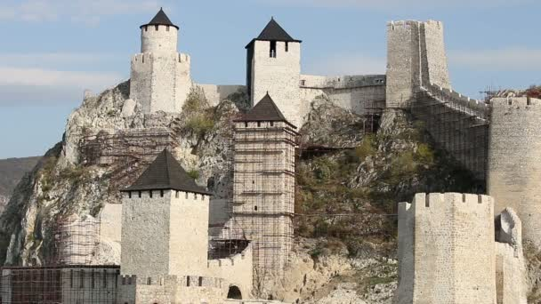 Golubac pevnost kamenné stěny a věže Srbsko