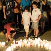 děti s tričko s polský emblémy na demonstraci zvané svíčka světle revoluce. Lidé protesty proti zničení nejvyššího soudu vláda. Lublin, Polsko. 22. července 2017