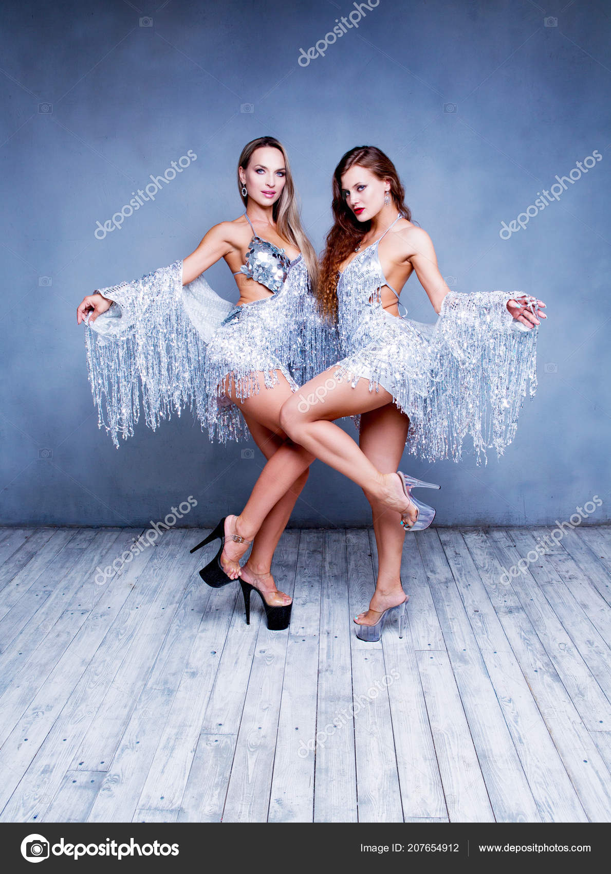 Стриптиз русские народные танцы