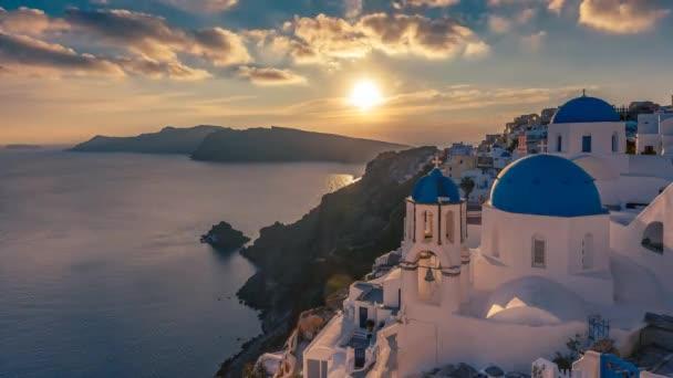 Beautiful view of Churches in Oia village, Santorini. 4K timelapse.