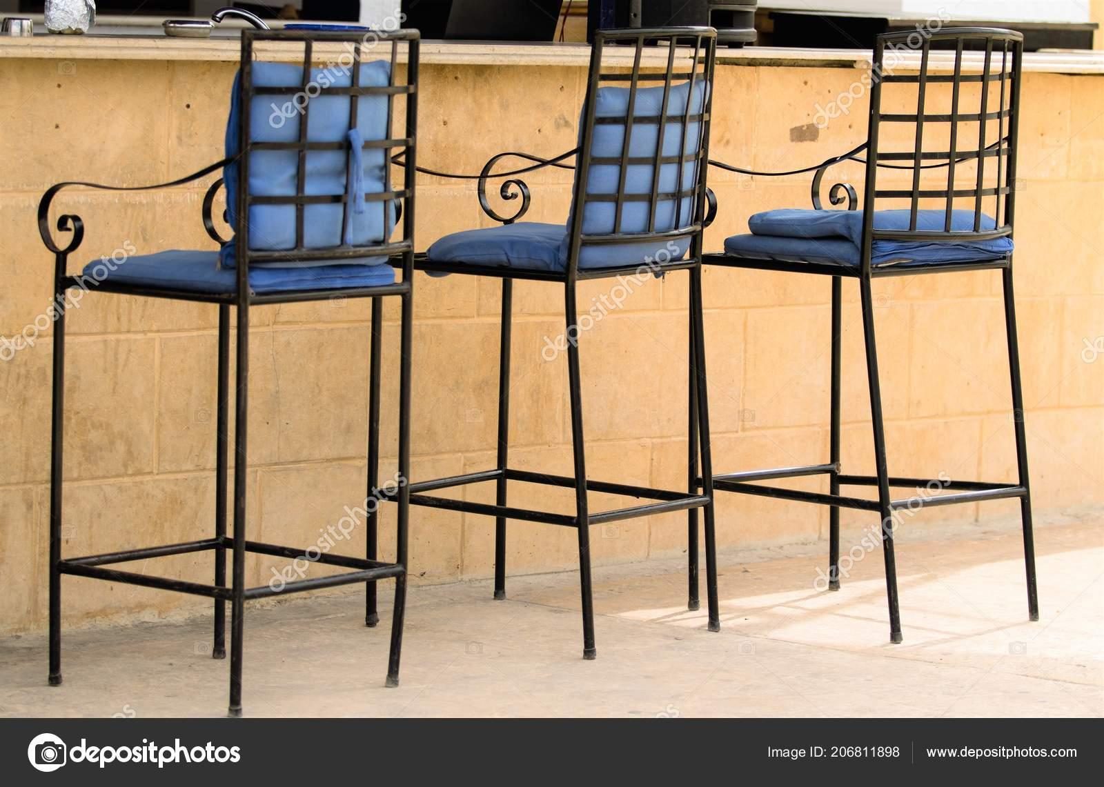 стулья столы улице интерьер кафе стоковое фото Kzwwsko 206811898