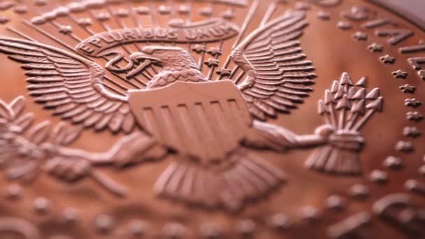 Detailní záběry americké dolarové mince