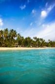 Paradise lagoon pohled z moře