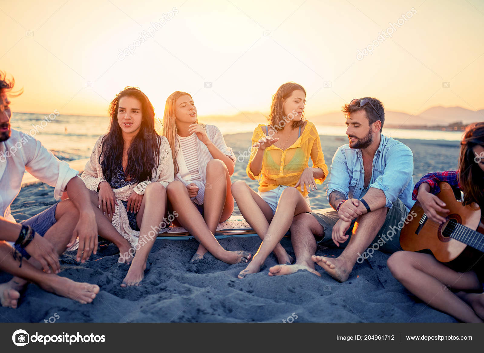 Секс ванной удовольствия на пляже ласкает