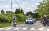 Bourgoin-Jallieu, Francie-07, květen 2017: Belgický cyklista Frederik Backaert Wanty-Groupe Gobert týmu na koni během zkušební fáze čas 4 Criterium du Dauphine 2017