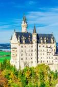 Fotografie Schloss Neuschwanstein im Frühherbst in der Nähe von Füssen Südwestbayern, Deutschland.
