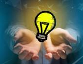 Ansicht einer Innovation Glühbirne Lampe eingeschaltet angezeigt auf einem futuristischen Interface - Technologie und Inspiration Konzept