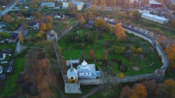 Porkhov Festung, Oktober-Abend (aerial Video). Pskow, Russland