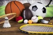 Sport felszerelések, foci, tenisz, kosárlabda