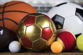 Sportovní vybavení, fotbal, tenis, basketbal
