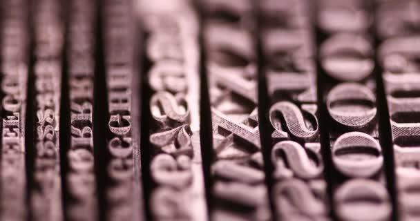 Zlatá linie dopisů s lineární rozostření