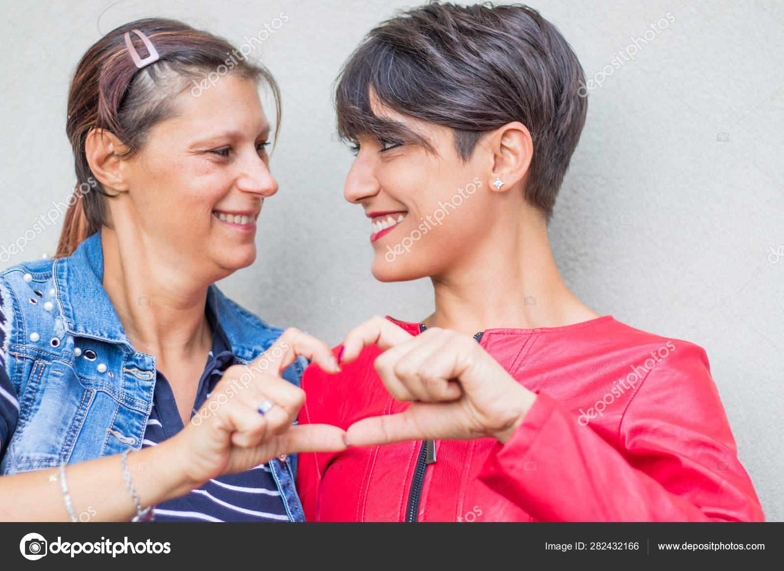 Lesbičky jsou sváděny