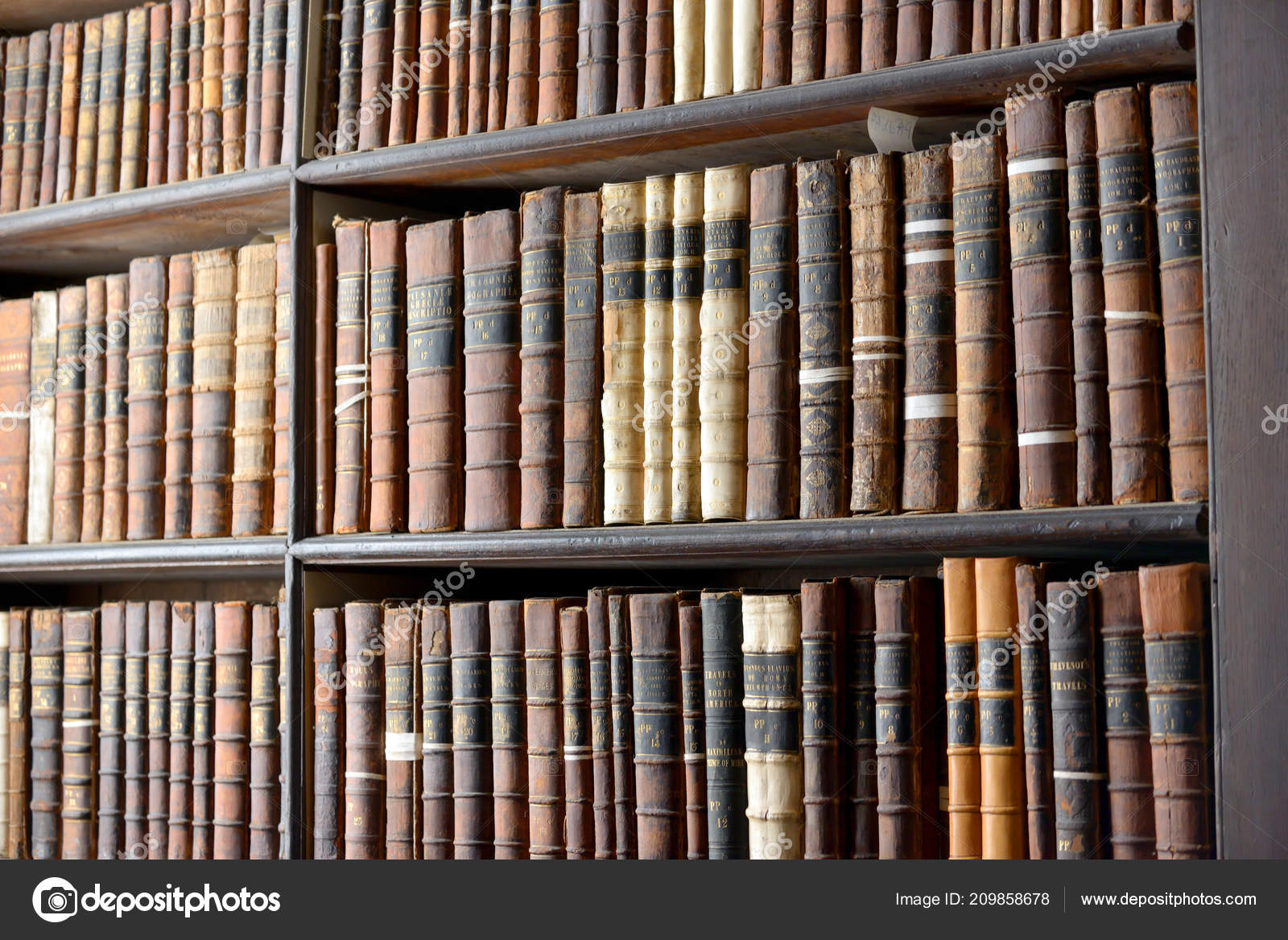 Old Library Trinity College Dublin Book Kells 2018 — Stock Photo
