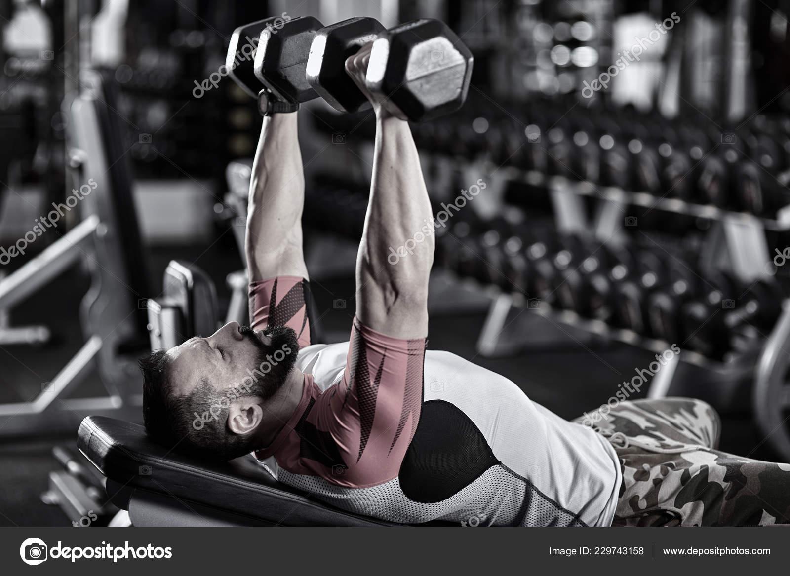 ejercicios con banco inclinado