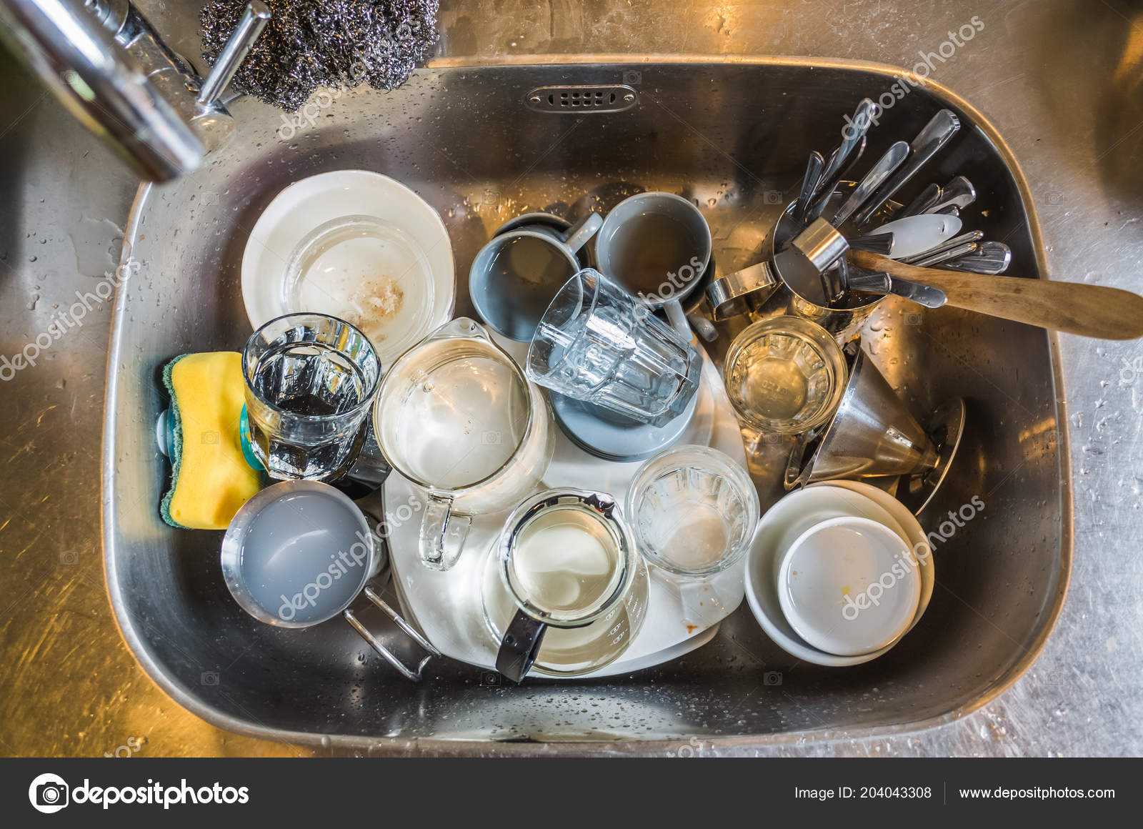 Dirty Dishes Kitchen Sink Home — Stock Photo © elwynn #204043308