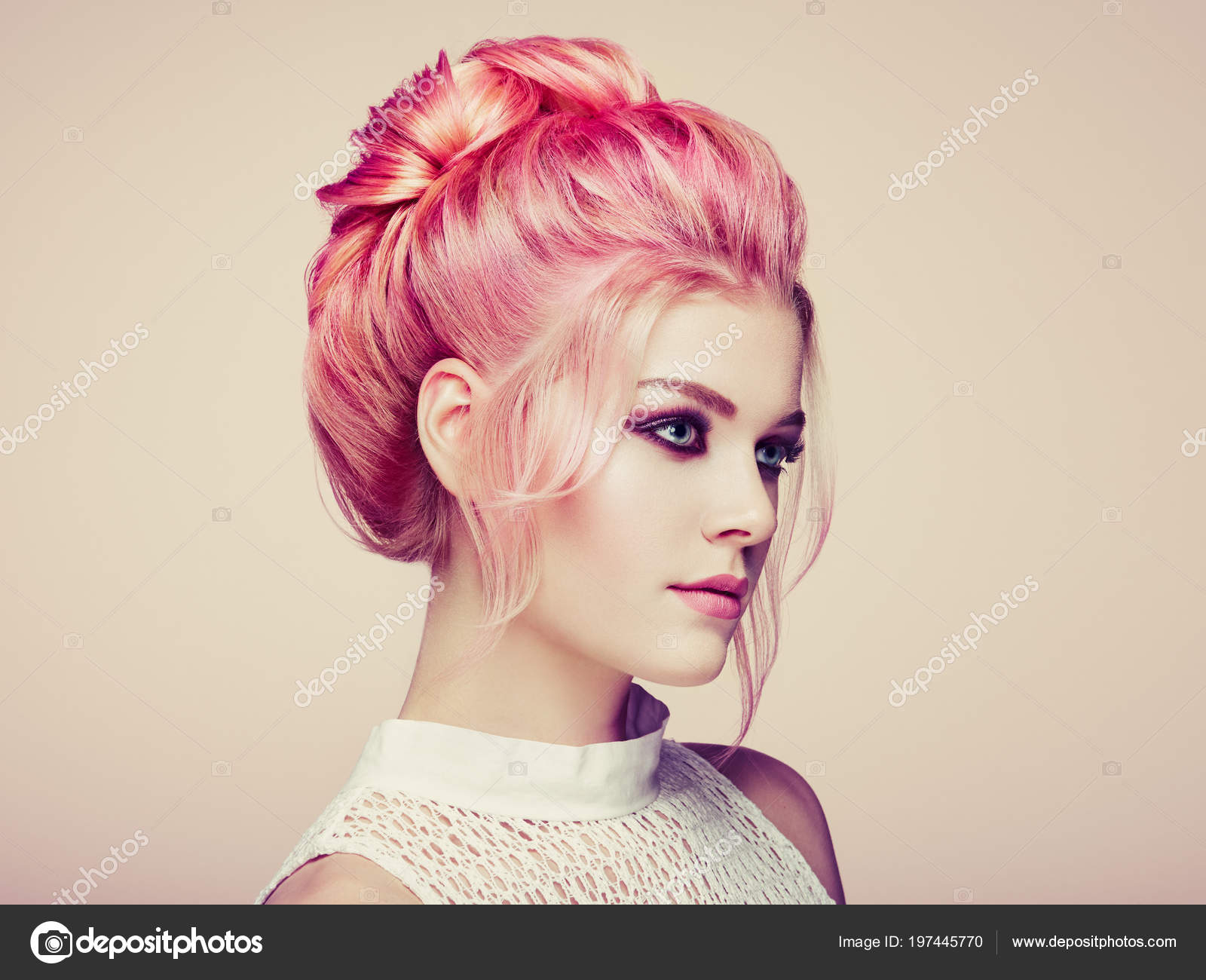 Blonde Girl Elegant Shiny Hairstyle Beautiful Model Woman