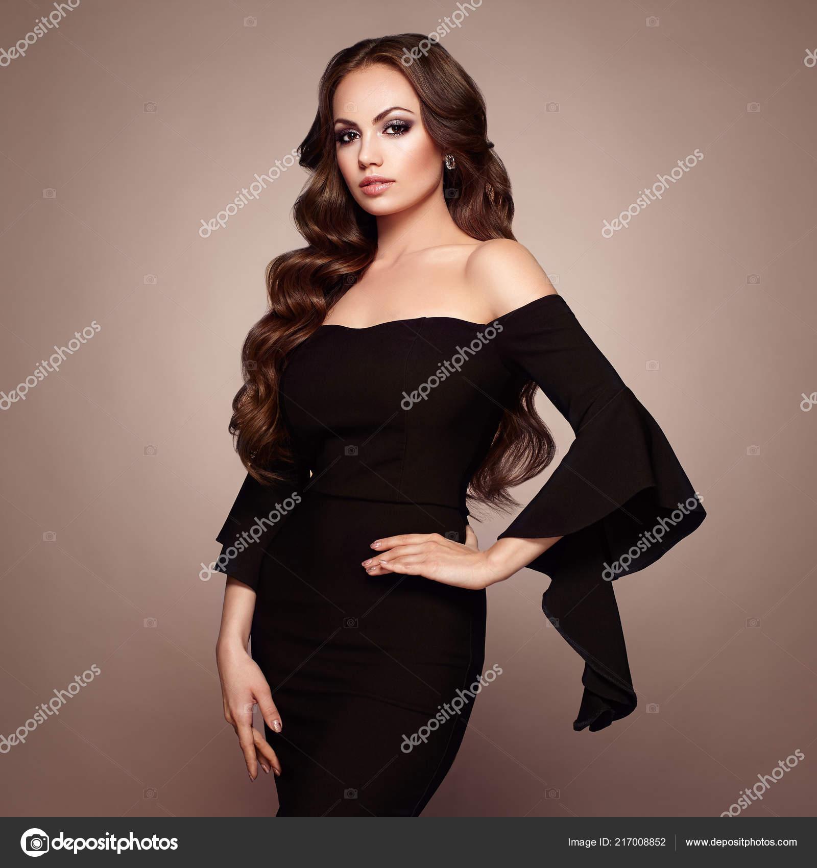Schone Frau Eleganten Schwarzen Abendkleid Brunette Madchen Mit