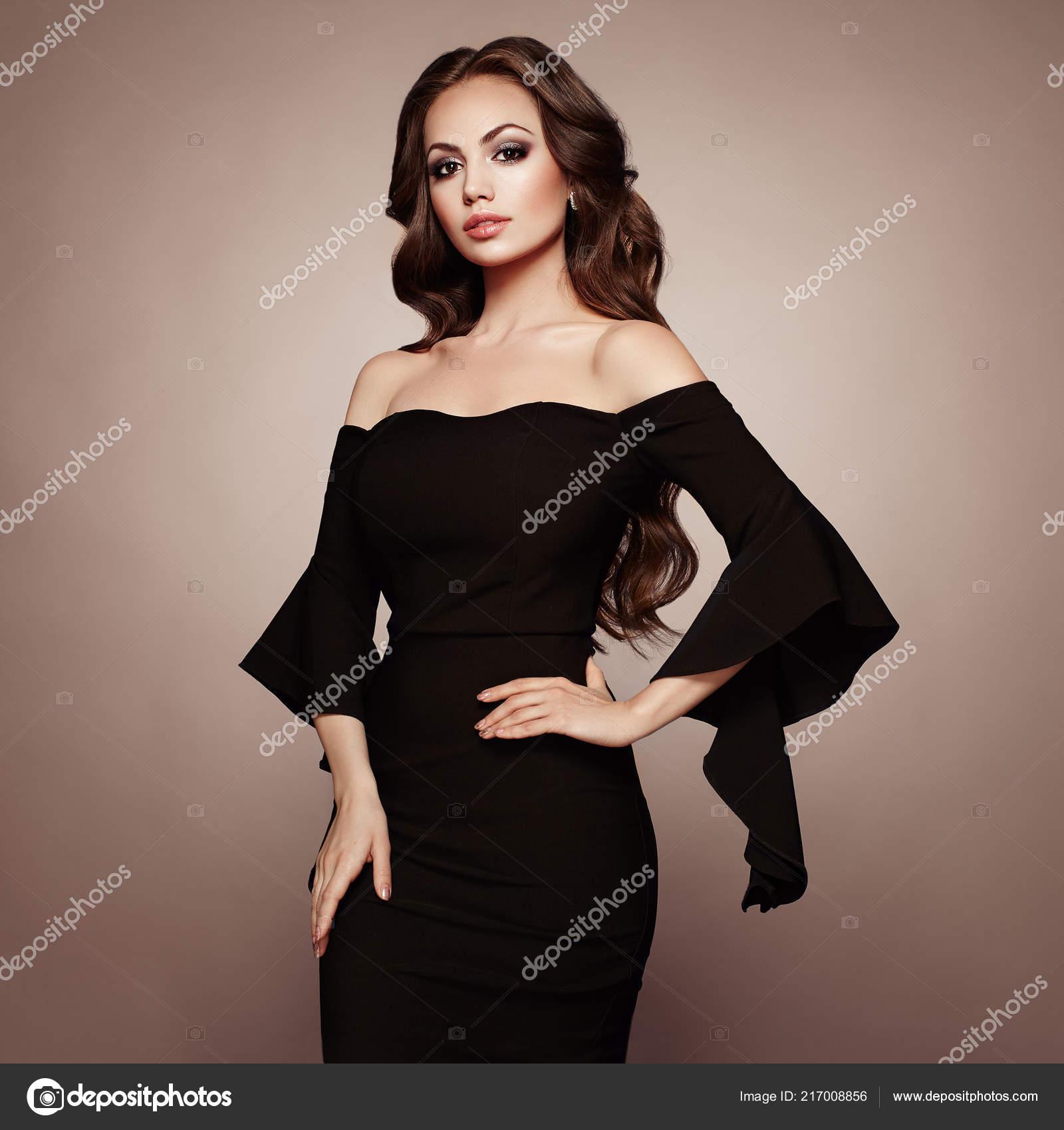 on sale cfae1 7023e Bella Donna Abito Sera Nero Elegante Ragazza Castana Con ...