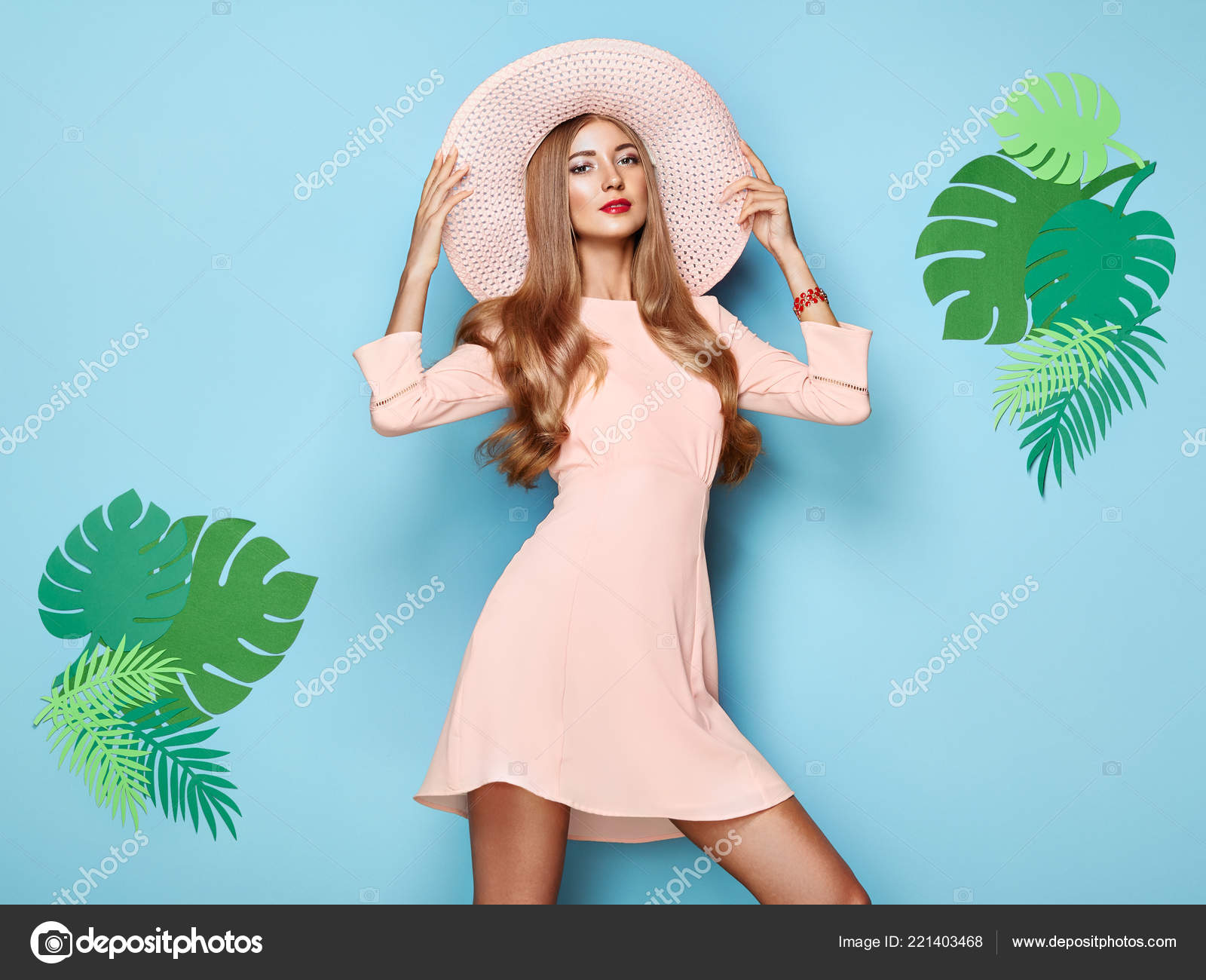Look - Lady stylish photo video